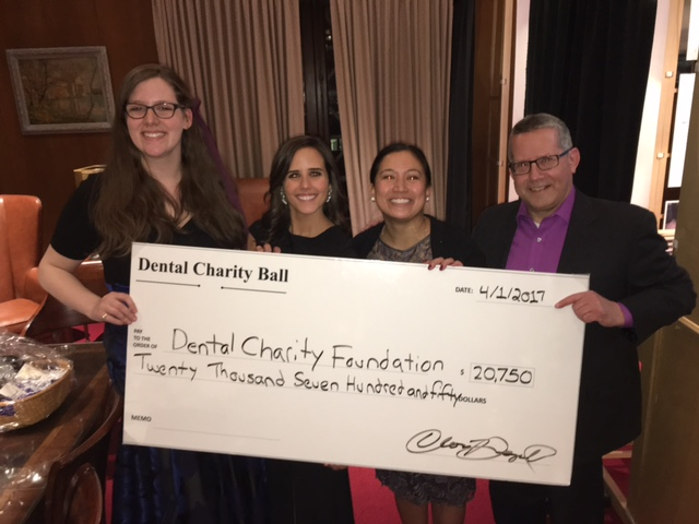 https://secure.emochila.com/swserve/siteAssets/site8424/images/Abrix_own_Maryann_Czarnota_and_Wally_Janczewski_presenting_a_check_for_the_Dental_Charity_Foundation.jpg